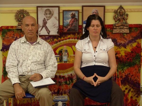 A jóga két útja előadás - Swami Ajaya, Veszprém