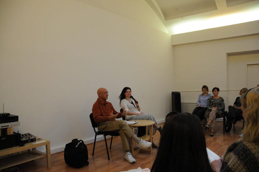 Előadás - Dr Szvámi Adzsaja és Holló D. Imola